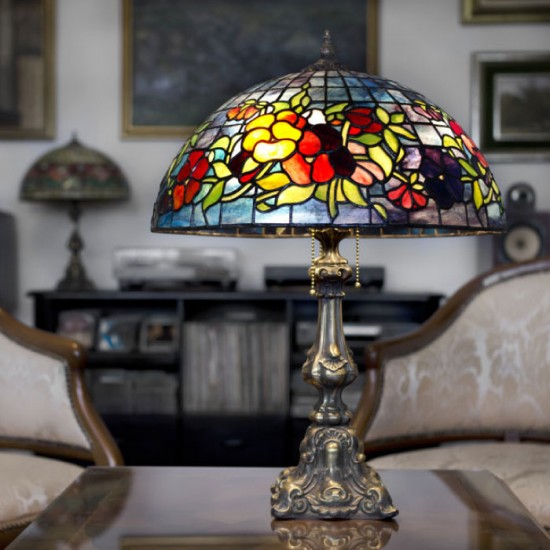 Tiffany lamp-700x730